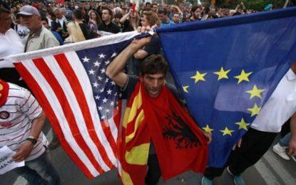 Analistë rusë dhe serbë: SHBA po përdor shqiptarët për të zgjeruar ndikimin në Ballkan