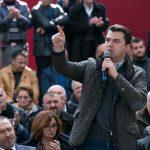Deklarata e fortë e Bashës: T'i hapin rrugë dialogut, përndryshe sheshet do mbushen me armata …