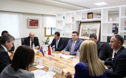 Lufta kundër krimit dhe kanabisit, zv/drejtori i Europol takon Çakon në Tiranë