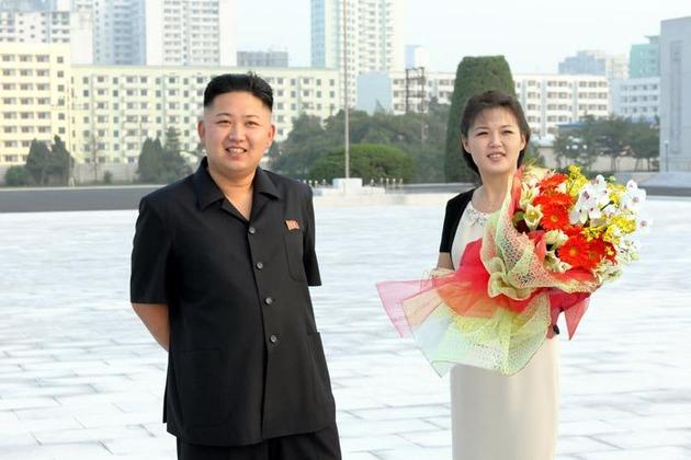 """""""Ëngjëlli"""" që jeton me diktatorin mizor (FOTO)"""
