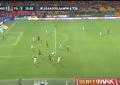 VIDEO/ Kolumbi, futbollisti shënon gol spektakolar në një aksion personal
