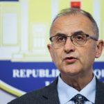 """VASILI NE CONFERENCE - Deputeti i LSI, Petrit Vasili, duke folur gjate nje konference shtypi, ku ka deklaruar se Kryetari i parlmentit Ilir Meta, nuk mund te jape doreheqjen per llogari te krimit te organizuar./r/n/r/nVASILI IN CONFERENCE - Lawmaker, Petrit Vasili, speaks during a press conference, speaks during a media statement for the """"Doshi"""" case."""