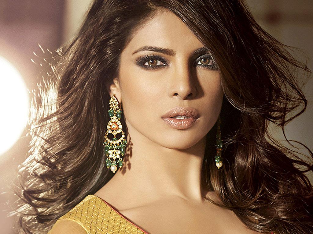 """Aktorja e famshme indiane """"provokon"""" kryeministrin (FOTO)"""
