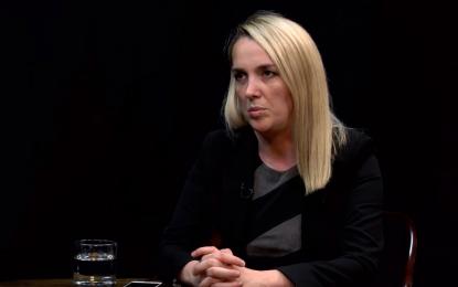 U dhunua e përfundoi në spital, gazetarja Arbana Xharra: Kanë tentuar të më linçonin