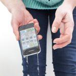 Apple tashmë gjen mënyrën për të larguar ujin nga telefoni