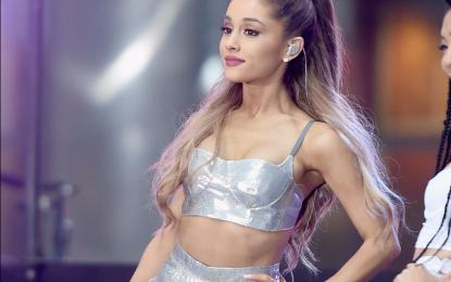 Ariana Grande paguan funeralet e viktimave të Manchesterit