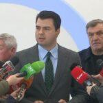 Basha shpërndan mandate deputeti për kryetarët e partive