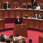Fjalimi i plotë i Berishës që u duartrokit me pasion nga deputetët e PS-së