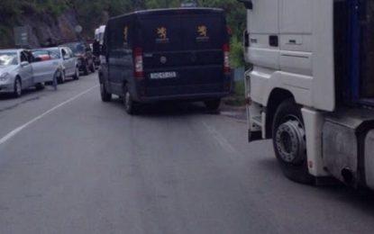 Tentohet të grabitet blindi me 1 milion euro në Kosovë!