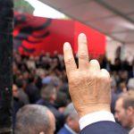 """""""Tymi i bardhë në Kavajë"""", deputetët e PD-së """"bllokojnë"""" facebook-un"""