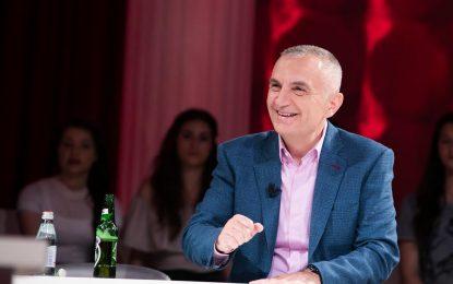 Meta ironizon: Rama 71 deputetë vetëm apo bashkë me Lulzim Bashën?!