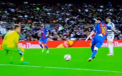 VIDEO/ Messi shënoi golin më të bukur të sezonit…por u anulua!