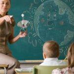 Ja si do të llogaritet shpërblimi për mësuesit që punojnë larg shtëpisë