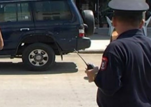 Rrëfehet polici që plagosi me armë dajën dhe shokun: U zumë për pijen