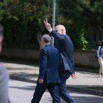 Rama shkon te çadra – Sulmohet nga protestuesit, ndërhyn Garda