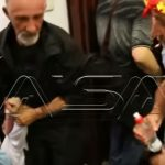 FOTO/ Dhuna në Kuvendin maqedonas, identifikohen 2 nga sulmuesit e deputetit Sela