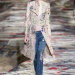 Moda, modelet më të bukura të xhinseve për pranverë-verë 2017