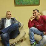Arrestohet kameramani personal dhe miku i kryeministrit Rama për vjedhje