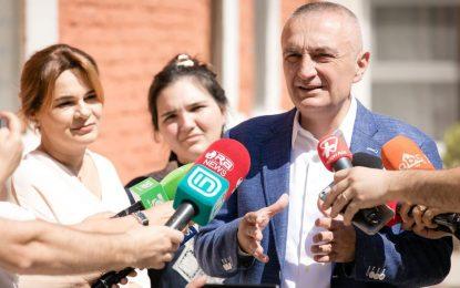 Ilir Meta: Votoni kundër presioneve dhe atyre që duan tu blejnë të ardhmen
