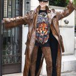 """Celine Dion, me një """"look"""" të çuditshëm në rrugët e Parisit"""