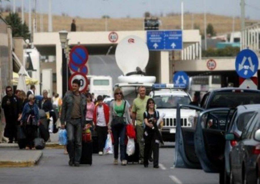 Reportazhi i AFP/ Pse shqiptarët çojnë fëmijët për azil në Francë