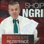 Murrizi në krah të Bashës: Kritikët erdhën me pantallona të grisura, u larguan me vila