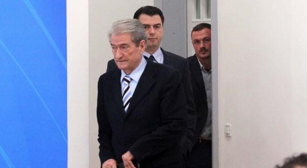 Si sot 4 vite më parë dorëhiqej nga PD Sali Berisha… po Basha a do ta ketë guximin?!