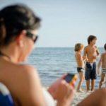 Si ndikon përdorimi i Smartphonit në darkë në trupin dhe trurin tuaj!