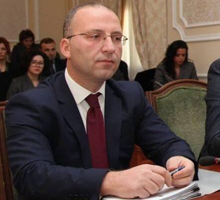 Këshilltari Ligjor i Presidentit  Lëvizjet e Metës ruajtën procesin e krijimit të Gjykatës Kushtetuese