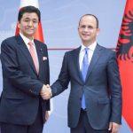 Hapet ambasada në Tiranë. Bushati pret në takim homologun japonez
