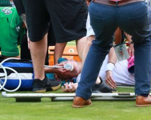 VIDEO/ Tenistja e njohur thyen gjurin, horror dhe panik në Wimbledon