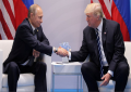 """Flet ekspertja – """"Gjuha e trupit""""/ Kush fitoi nga shtrëngimi i duarve Trump-Putin?!"""