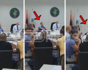 Rinumërimi lodh nënkryetarin e KQZ, Biba rrëzohet nga karrigia (Video)