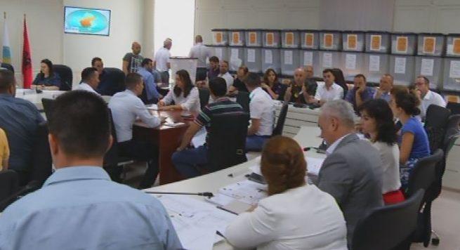 Doda ftesë LSI e PD: Fronti opozitar të kërkoj rinumërimin e votave në Tiranë