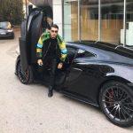 Blerja e 'çmendur' e milionerit të Tiranës, nuk ndalet Oni Hysenbelliu