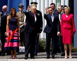 Zonja e Parë e Polonisë injoron presidentin Trump (Foto+Video)
