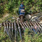Foto/Çudirat e aksionit Task-Forcë, ja si abuzojnë zonat periferike me ujin e pijshëmtë Tiranës