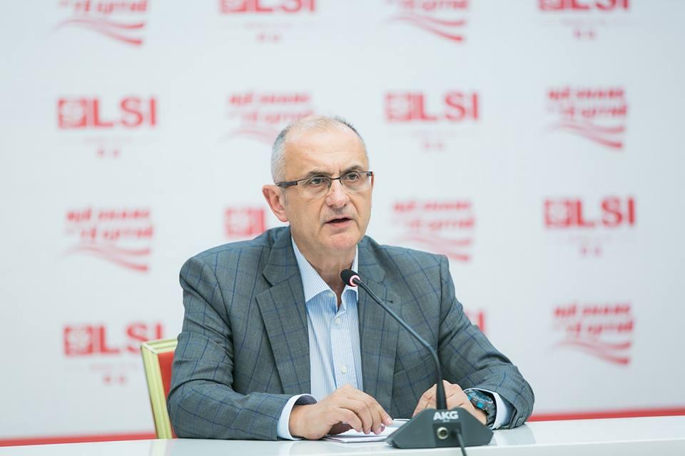 Promocion i turizmit në gusht, Vasili ironizon Ramën: Kaq di, kaq bën