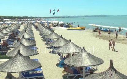 Bie miti i turizmit patriotik, kosovarët po braktisin plazhet shqiptare