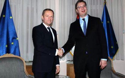 Brukseli: Serbia në BE vetëm pasi të ketë përfunduar dialogun me Kosovën