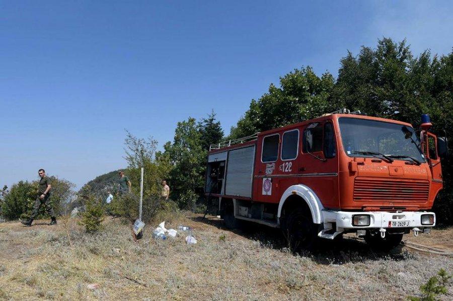 Situatë alarmante nga zjarri në Dërstilë të Elbasanit, Emergjenca Civile: Të nisë evakuimi i banorëve