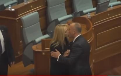 Pas betimit, ja çfarë bëri Kryeministri (VIDEO)