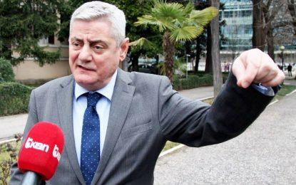 """Shehi: Berisha foli """"pas pilafit"""", përgjegjësi për PD. Aleatët ikin nga grupi i PD nëse…"""