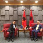 Fleckenstein jep lajmin e mirë: Asnjë kusht shtesë për Shqipërinë, negociatat çelen