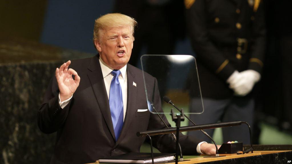 Trump ndalon hyrjen në SHBA për shtetasit e 6 vendeve myslimane
