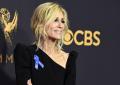 """Ja pse yjet e Hollywood mbanin fjongo blu në tapetin e kuq të """"Emmy"""""""