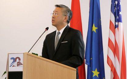 Donald Lu: Çfarë po ndodh kështu në Shqipëri!?