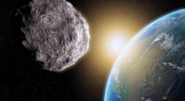 """NASA, Michael Kelley: Një asteroid do kalojë """"një fije floku"""" larg Tokës"""