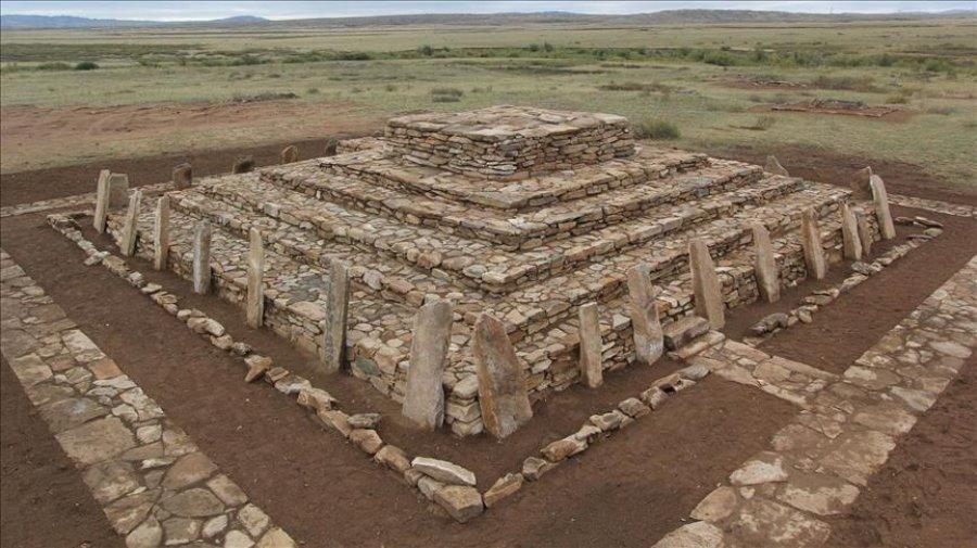 Restaurohet piramida tre mijë vjeçare në Kazakistan