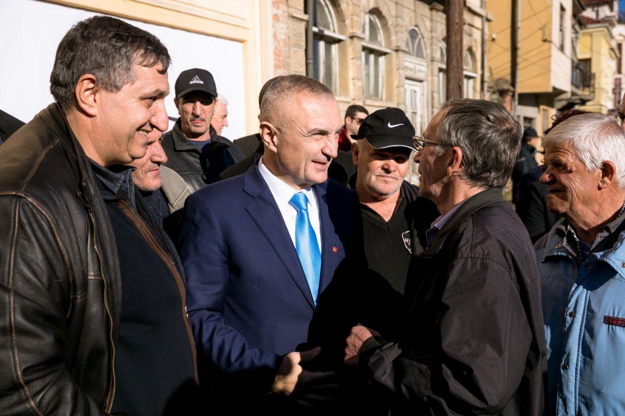 Pritje madhështore e shqiptarëve të Maqedonisë për Presidentin. Manastiri-vend i Shenjtë për shqiptarët